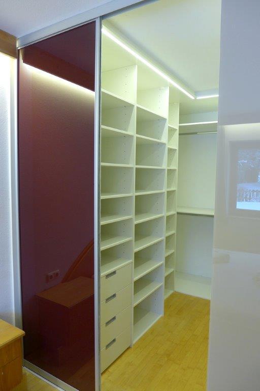 schiebetr begehbarer schrank begehbarer schiebetr einzigartig systeme design with schiebetr. Black Bedroom Furniture Sets. Home Design Ideas