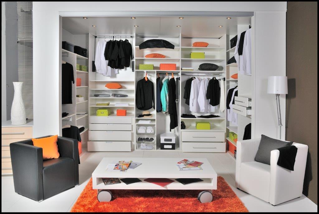 akron schranksysteme begehbare kleiderschr nke nach ma. Black Bedroom Furniture Sets. Home Design Ideas