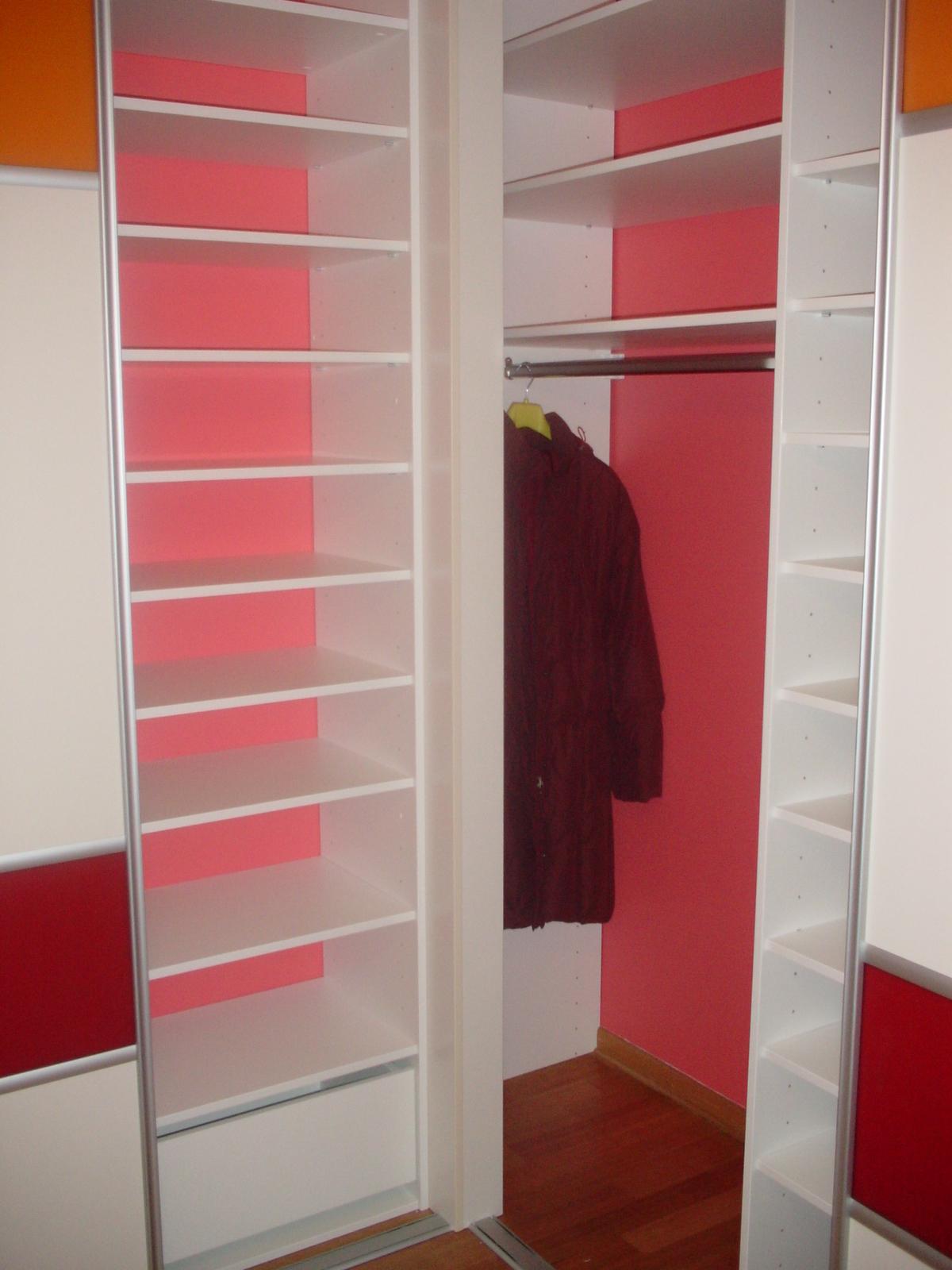 eckkleiderschrank f r schlafzimmer schranksysteme. Black Bedroom Furniture Sets. Home Design Ideas